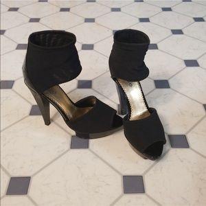 Bebe Minka black platform heels Size 7